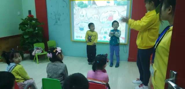 > 托马斯幼儿英语主题公开课展示课堂精彩分享  人气:  在这次拼音