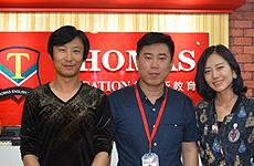 【联盟快报】赤峰刘先生伉俪喜迎托马斯蓝海宏图
