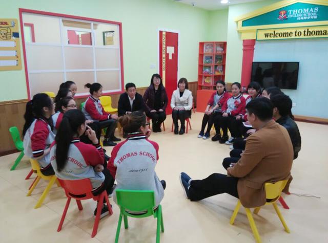 托马斯郑州校工作人员和总部的老师们总结经验
