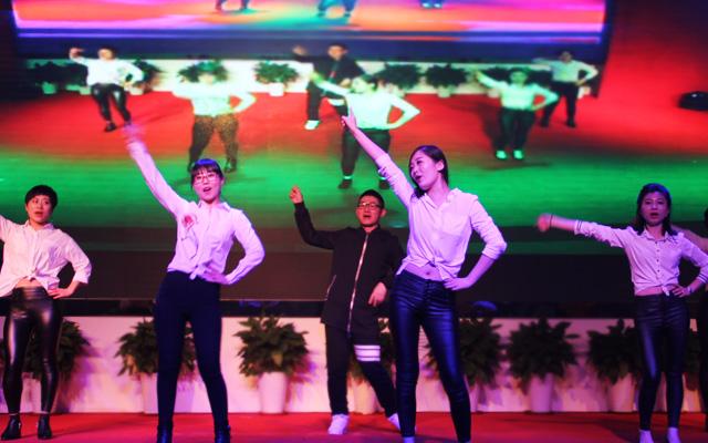 2015年度托马斯教育颁奖盛典-教学部 舞蹈《number9》