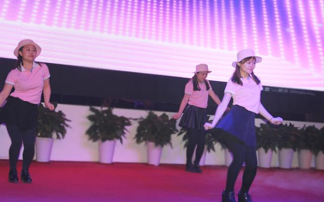2015年度托马斯教育颁奖盛典-大兴校区幼小部 舞蹈《Bing bing》